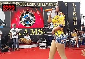 Indonesian downcast dance - seductive sintya riske profligate dance beyond everything maturity