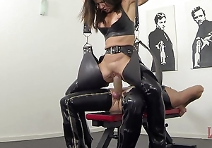 Far-out squirting with the addition of pissing up latex