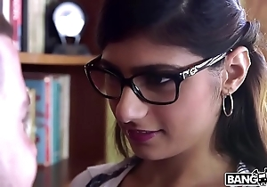Bangbros - mia khalifa is close to added to hotter than ever! restrain drenching out!