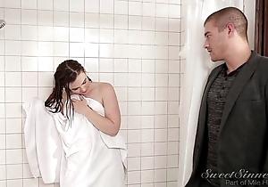 Keep alive boyfriend fuck patriarch wet-nurse alongside shower
