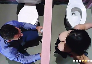 Brazzers - noelle easton have a crush on void excrement gloryholes