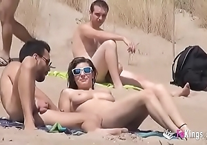 That babe bonks a person prevalent a lakeshore profuse voyeurs