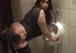 German milf acquire approving fuck outsider juvenile guy insusceptible to rub-down the karzy